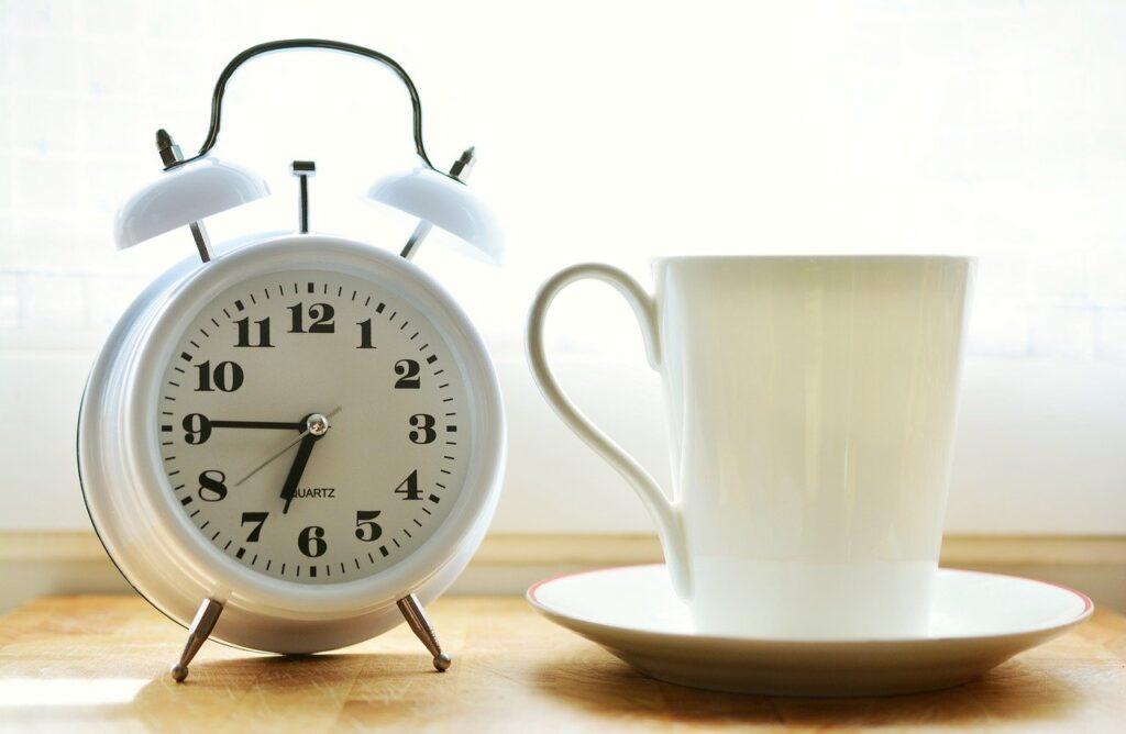 Kahvaltıdan önce kahve